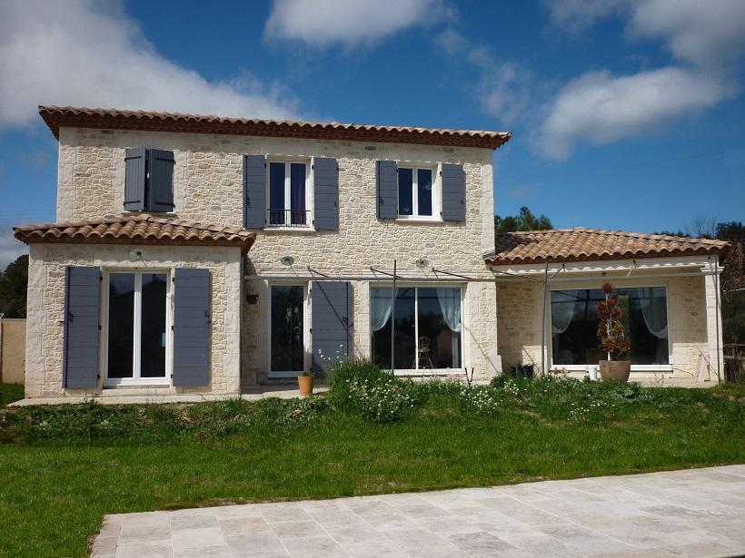 Vente proche ledignan jolie villa r cente style proven al for Garage ad la bresse