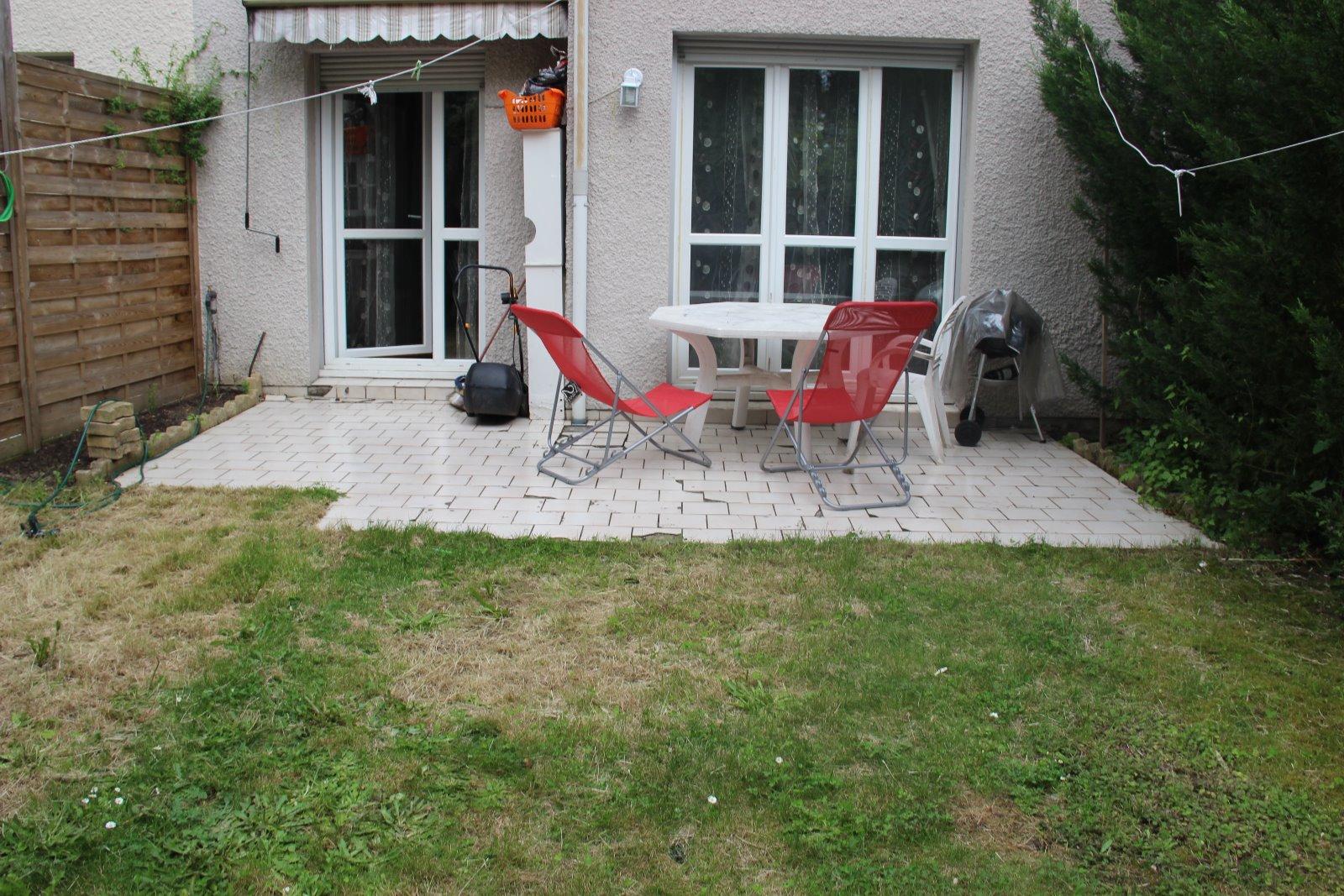 Vente quartier hautes varennes boissy st l ger maison 4 chambres - Vente de garage varennes ...