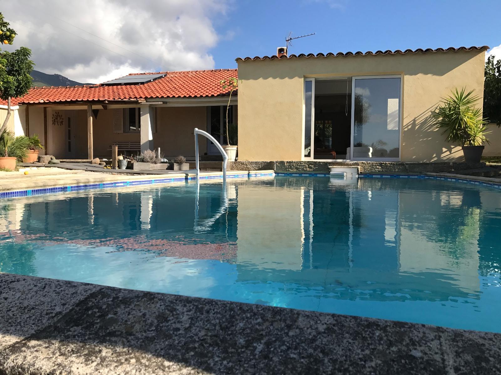 Vente tr s belle maison vue mer bastelicaccia for Garage ad montrevel