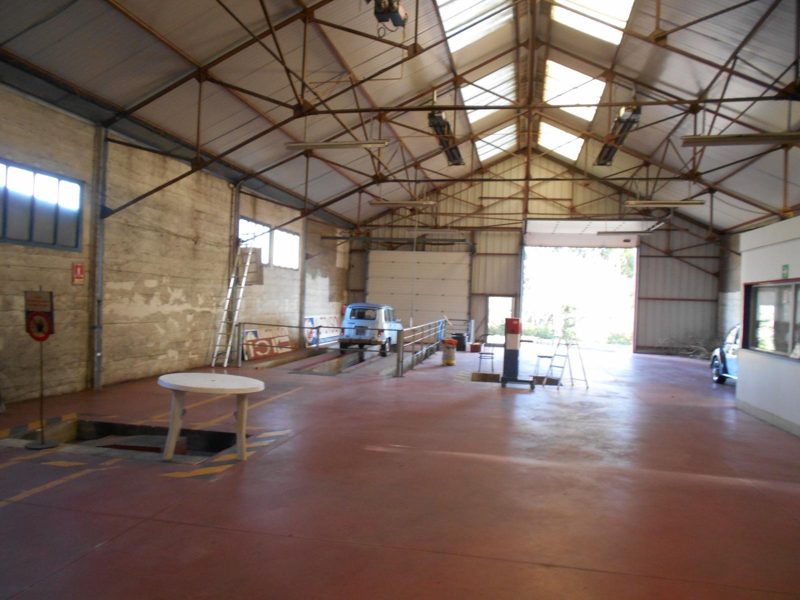 Vente immobilier professionnel local 330m nivillac for Garage ad la bresse