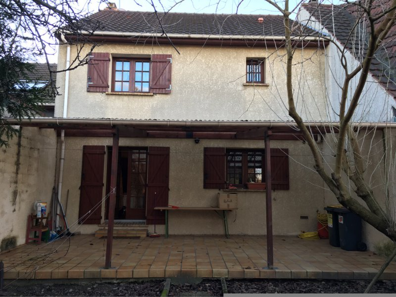 Vente belle maison for Garage stains 93240