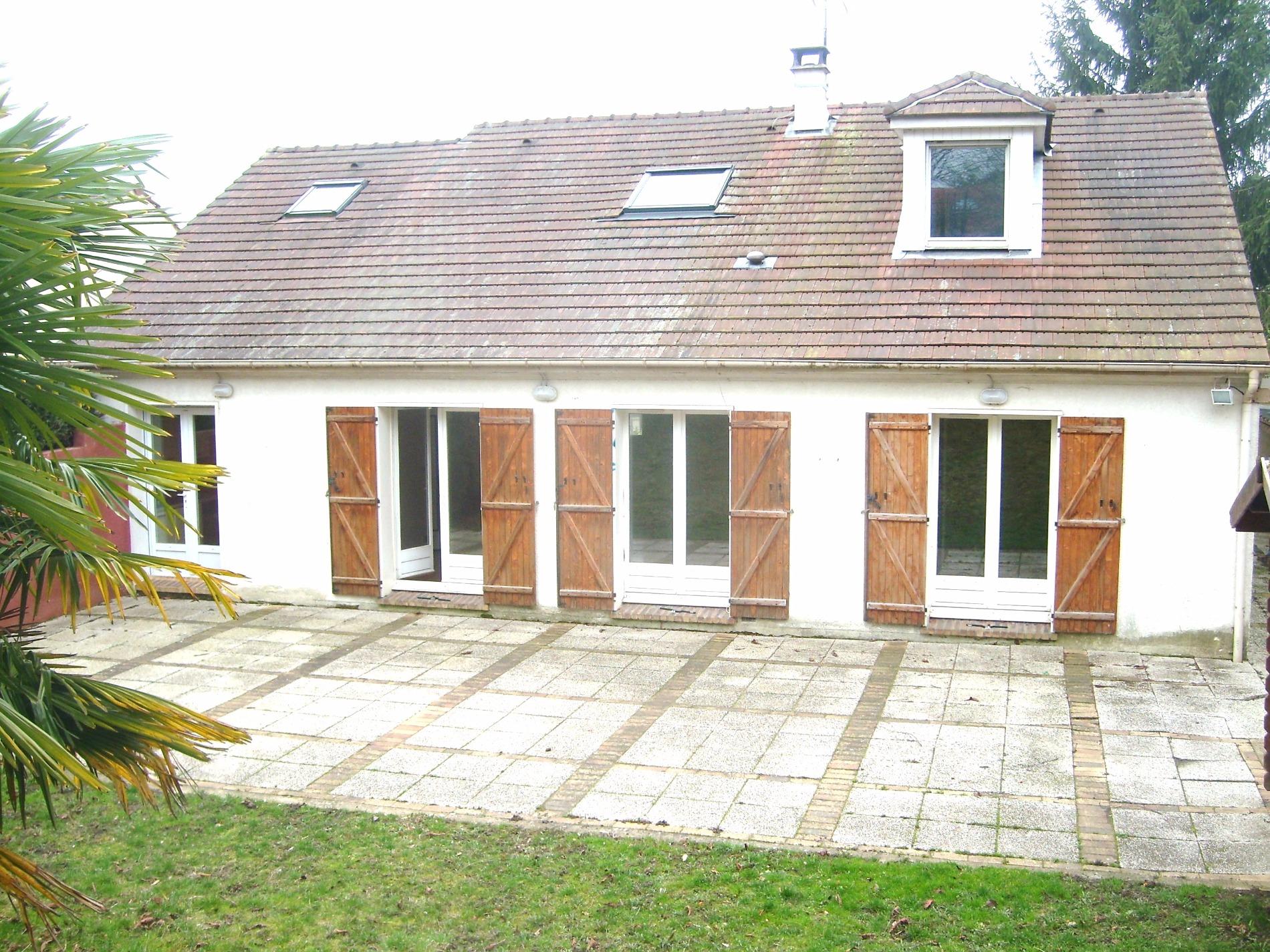 Vente maison kaufman broad avec 4 chambres garage et jardin for Modele maison kaufman broad