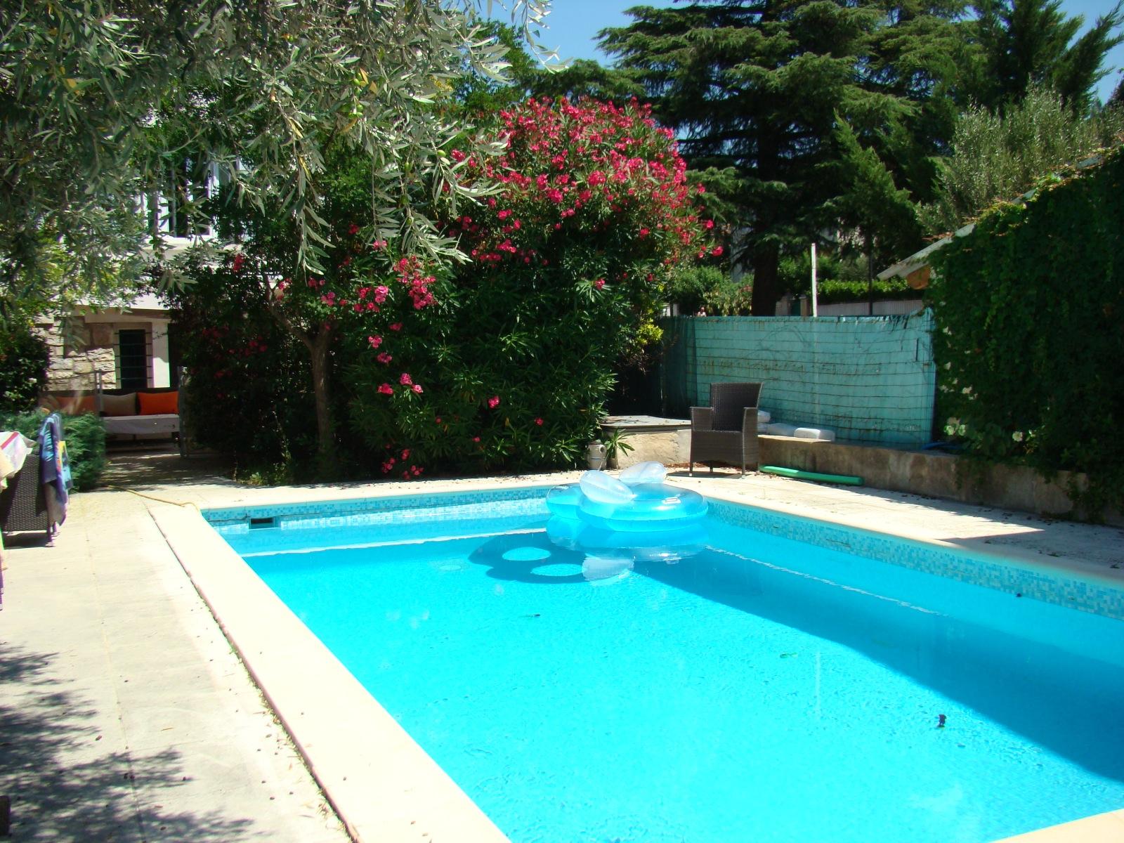 vente maison de maitre en centre ville avec jardin et piscine. Black Bedroom Furniture Sets. Home Design Ideas